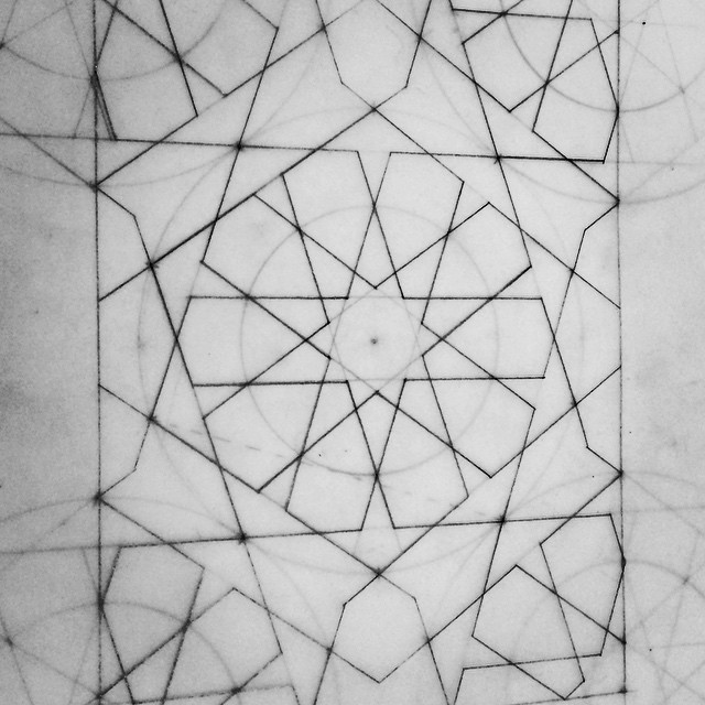 Ten fold pattern from the final geometry class of the term. Beautiful connected golden ratio design. I'm hoping to do lots more around ten fold and pentagon symmetry. #pentagon #pattern #geometry #geometric #islamicpattern #islamicgeometry #drawing #paper #pencil #symmetry #princesschooloftraditionalarts